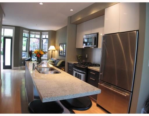 """Photo 4: Photos: 842 W 6TH Avenue in Vancouver: Fairview VW Townhouse for sale in """"BOXWOOD GREEN"""" (Vancouver West)  : MLS®# V650678"""