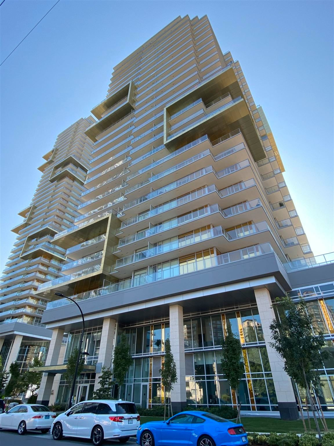"""Photo 1: Photos: 308 6288 CASSIE Avenue in Burnaby: Metrotown Condo for sale in """"GOLD HOUSE SOUTH TOWER"""" (Burnaby South)  : MLS®# R2606367"""