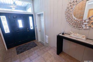 Photo 3: 220 Lake Crescent in Saskatoon: Grosvenor Park Residential for sale : MLS®# SK744275