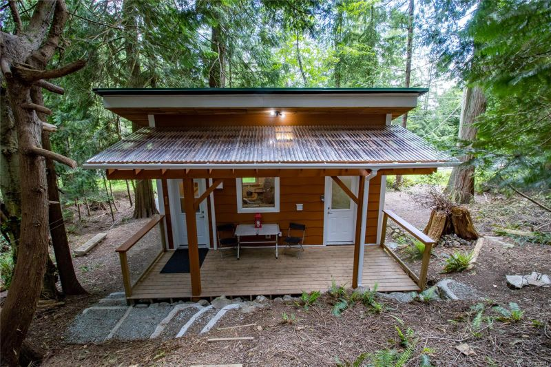 FEATURED LISTING: 4617 Ketch Rd