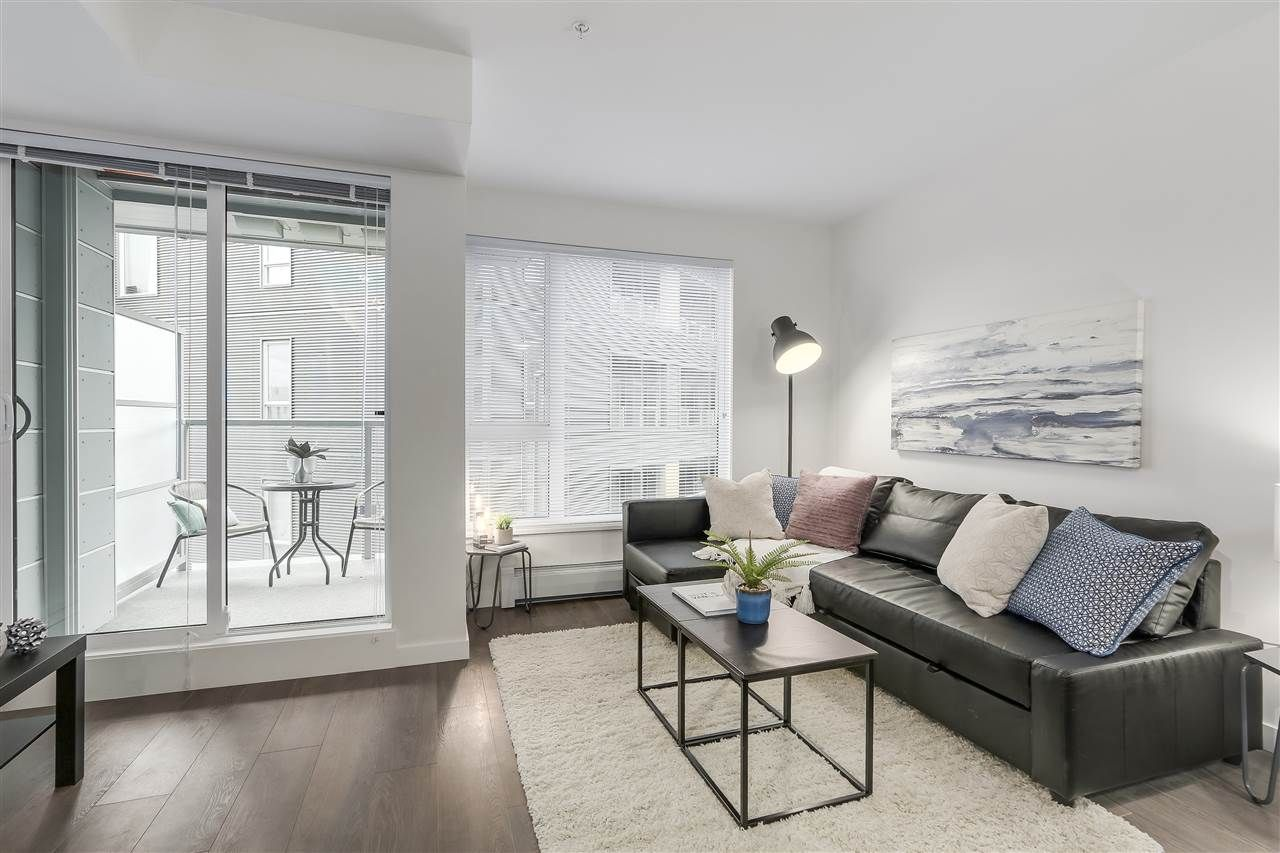 """Photo 2: Photos: 521 384 E 1ST Avenue in Vancouver: Mount Pleasant VE Condo for sale in """"CANVAS"""" (Vancouver East)  : MLS®# R2230543"""