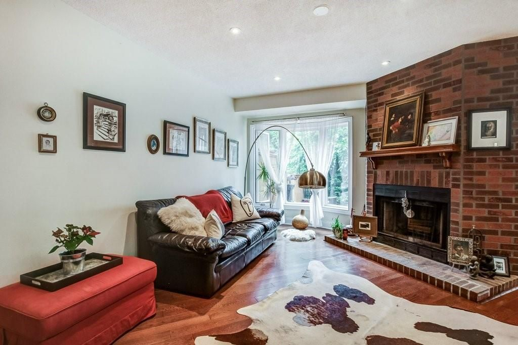 Photo 11: Photos: 23 HARBOUR Drive in Stoney Creek: Residential for sale : MLS®# H4086318