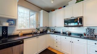 """Photo 16: 402 13226 104 Avenue in Surrey: Whalley Condo for sale in """"WESTGATE MANOR"""" (North Surrey)  : MLS®# R2565443"""