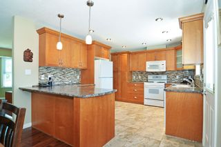 Photo 7: 11781 GEE Street in Maple Ridge: East Central House for sale : MLS®# R2602105