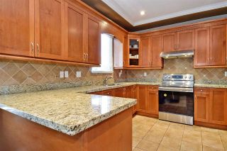 """Photo 9: 6351 167B Street in Surrey: Cloverdale BC House for sale in """"West Cloverdale"""" (Cloverdale)  : MLS®# R2475893"""