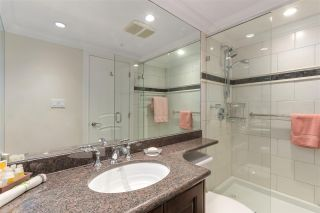 """Photo 17: 2007 1050 BURRARD Street in Vancouver: Downtown VW Condo for sale in """"Wall Centre"""" (Vancouver West)  : MLS®# R2324699"""