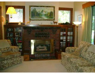 Photo 3: 311 LINWOOD Street in WINNIPEG: St James Residential for sale (West Winnipeg)  : MLS®# 2815598