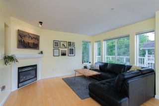 """Photo 11: 54 20760 DUNCAN Way in Langley: Langley City Townhouse for sale in """"Wyndham Lane"""" : MLS®# R2490902"""
