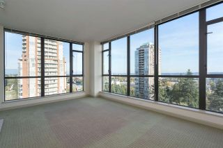 """Photo 3: 1701 7368 SANDBORNE Avenue in Burnaby: South Slope Condo for sale in """"MAYFAIR PLACE"""" (Burnaby South)  : MLS®# R2414676"""
