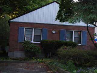 Photo 1: 186 Parkhurst Boulevard in Toronto: Leaside House (Bungalow) for lease (Toronto C11)  : MLS®# C5368729