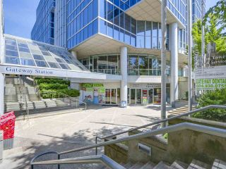"Photo 14: 808 10777 UNIVERSITY Drive in Surrey: Whalley Condo for sale in ""CITYPOINT"" (North Surrey)  : MLS®# R2184234"