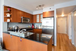 """Photo 18: 1108 822 SEYMOUR Street in Vancouver: Downtown VW Condo for sale in """"L'ARIA"""" (Vancouver West)  : MLS®# R2393856"""