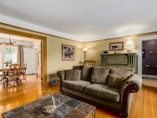 """Photo 3: 3240 W 21ST Avenue in Vancouver: Dunbar House for sale in """"Dunbar"""" (Vancouver West)  : MLS®# R2000254"""