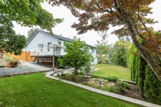 """Photo 19: 2372 MOUNTAIN Drive in Abbotsford: Abbotsford East House for sale in """"MOUNTAIN VILLAGE"""" : MLS®# R2405999"""