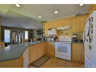 Photo 6: 2052 Haley Rae Pl in VICTORIA: La Thetis Heights House for sale (Langford)  : MLS®# 669697