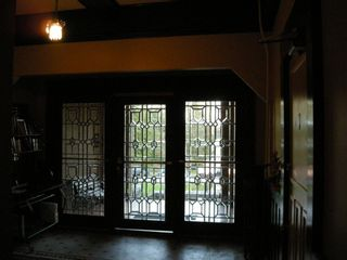 """Photo 3: 411 THIRD Avenue in New Westminster: Queens Park Multifamily for sale in """"HARI MANOR"""" : MLS®# R2613352"""