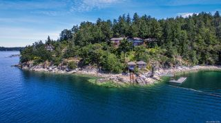Photo 1: 8244 West Saanich Rd in : CS Inlet House for sale (Central Saanich)  : MLS®# 861290