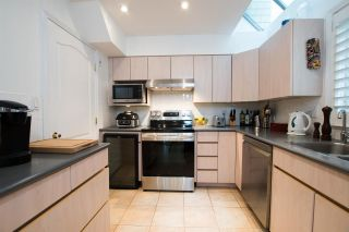 Photo 16: 2602 POINT GREY Road in Vancouver: Kitsilano Townhouse for sale (Vancouver West)  : MLS®# R2520688