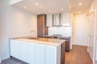 """Photo 2: 3907 4670 ASSEMBLY Way in Burnaby: Metrotown Condo for sale in """"STATION SQUARE 2"""" (Burnaby South)  : MLS®# R2332808"""