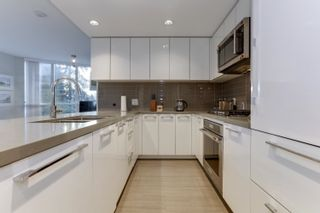 Photo 11: 206 3093 WINDSOR Gate in Coquitlam: New Horizons Condo for sale : MLS®# R2624700