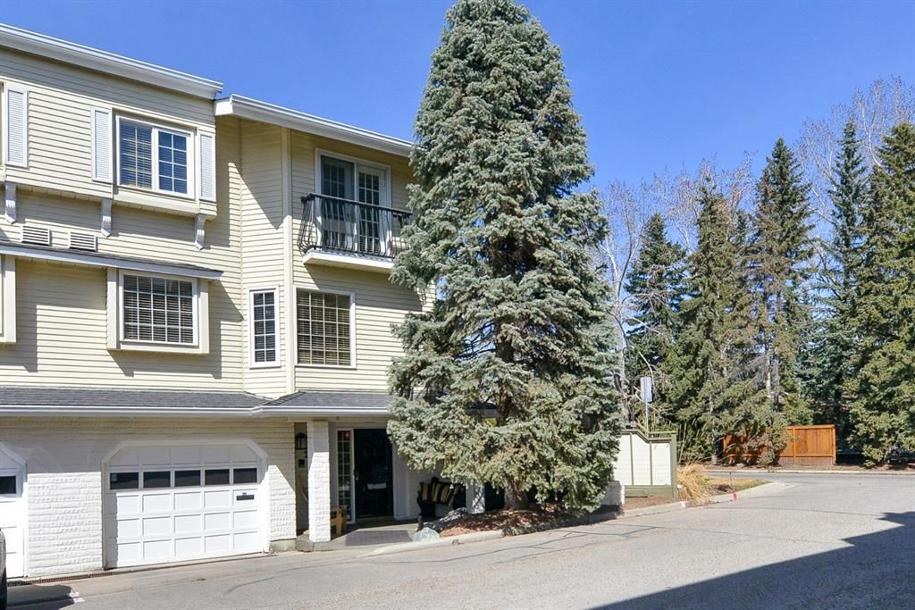 Main Photo: 164 3335 42 Street NW: Residential for sale : MLS®# A1093891
