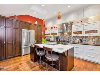 "Photo 8: 15348 VICTORIA Avenue: White Rock House for sale in ""White Rock"" (South Surrey White Rock)  : MLS®# R2579502"