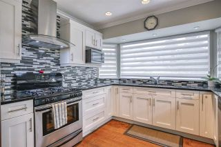Photo 14: 17387 60 Avenue in Surrey: Cloverdale BC House for sale (Cloverdale)  : MLS®# R2500278