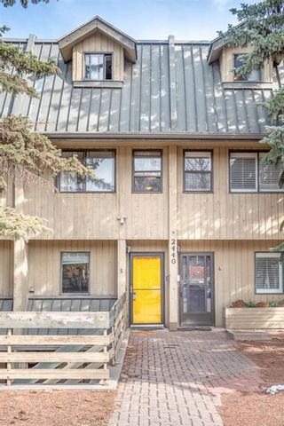 Photo 2: 5 2440 14 Street SW in Calgary: Upper Mount Royal Row/Townhouse for sale : MLS®# A1087570
