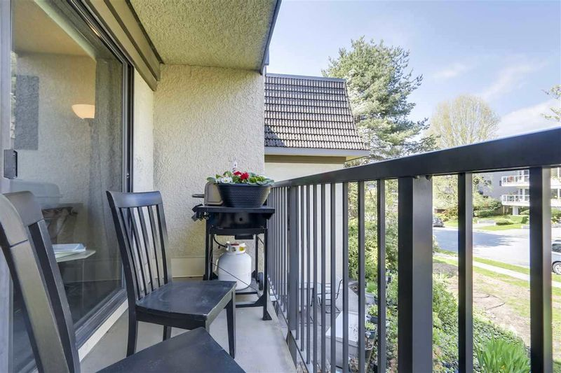 FEATURED LISTING: 206 - 307 2ND Street West North Vancouver