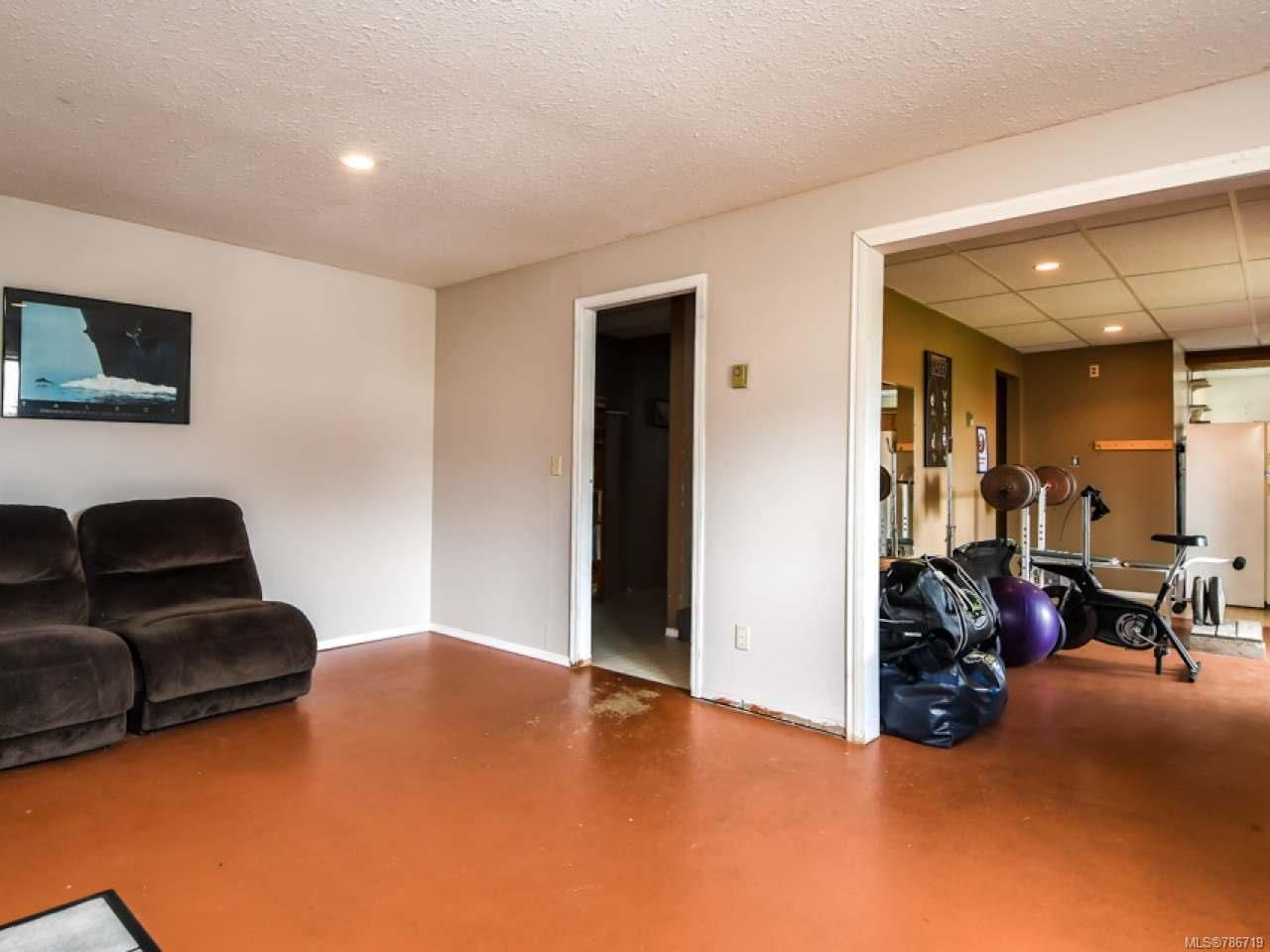 Photo 34: Photos: 1234 Denis Rd in CAMPBELL RIVER: CR Campbell River Central House for sale (Campbell River)  : MLS®# 786719