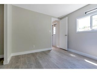"""Photo 13: 181 1840 160 Street in Surrey: King George Corridor Manufactured Home for sale in """"BREAKAWAY BAYS"""" (South Surrey White Rock)  : MLS®# R2585723"""