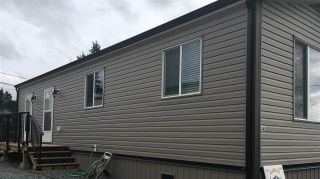 """Photo 2: A4 29666 FRASER Highway in Abbotsford: Aberdeen Manufactured Home for sale in """"Aloha Manufctured Homes & RV Park"""" : MLS®# R2469989"""
