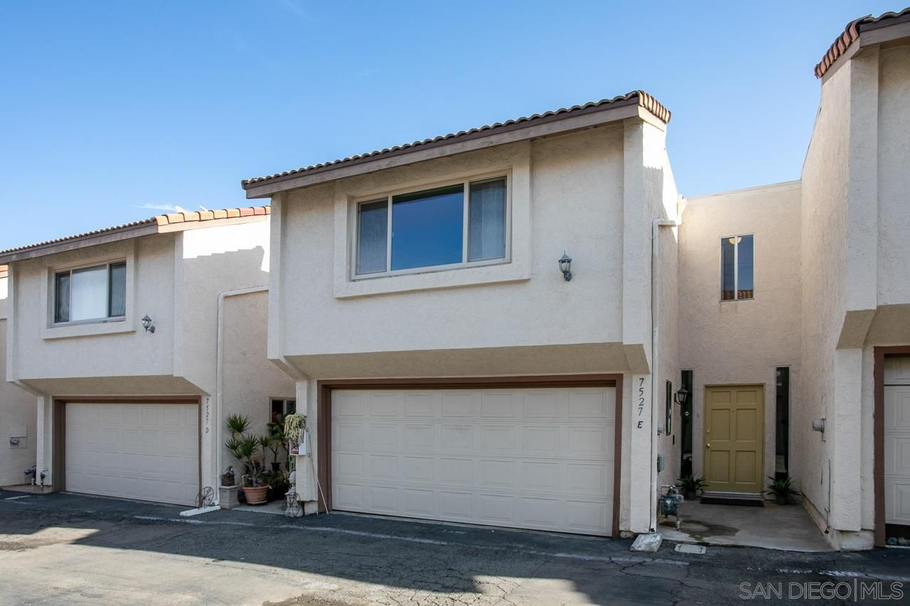 Main Photo: LA COSTA Townhouse for sale : 3 bedrooms : 7527 Jerez Court #Unit E in Carlsbad