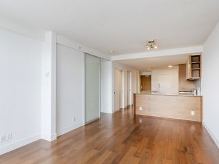 """Photo 19: 204 4375 W 10TH Avenue in Vancouver: Point Grey Condo for sale in """"The Varsity"""" (Vancouver West)  : MLS®# R2552003"""