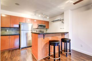 """Photo 3: 1109 2763 CHANDLERY Place in Vancouver: South Marine Condo for sale in """"RIVER DANCE"""" (Vancouver East)  : MLS®# R2427042"""