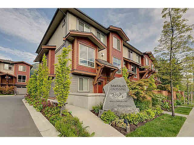 "Main Photo: 43 40653 TANTALUS Road in Squamish: Tantalus Townhouse for sale in ""TANTALUS CROSSING"" : MLS®# V1120805"