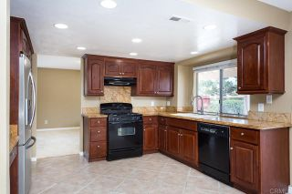 Photo 15: House for sale : 4 bedrooms : 1320 Cambridge Court in San Marcos