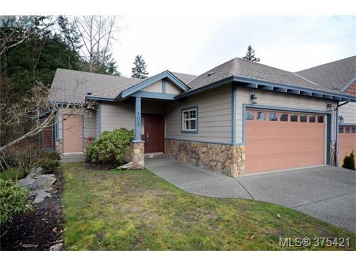 Main Photo: 102 2120 Harrow Gate in VICTORIA: La Bear Mountain Row/Townhouse for sale (Langford)  : MLS®# 753504