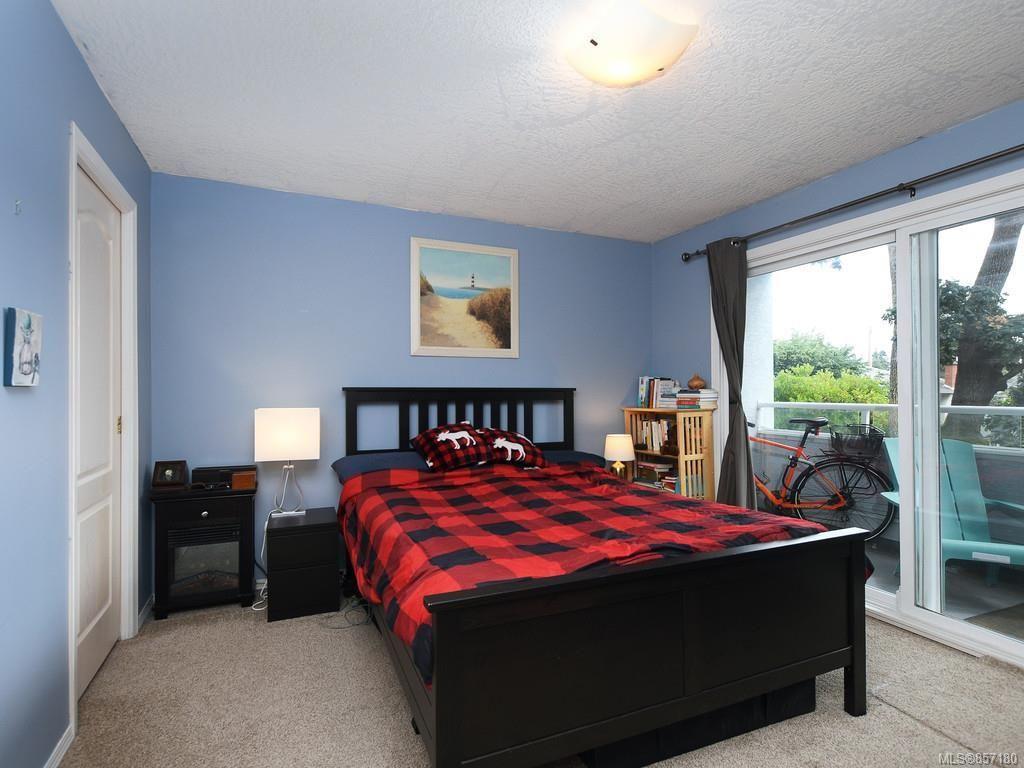 Photo 9: Photos: 206 3921 Shelbourne St in : SE Mt Tolmie Condo for sale (Saanich East)  : MLS®# 857180