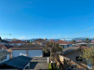 Photo 4: 2349 E 39TH Avenue in Vancouver: Collingwood VE House for sale (Vancouver East)  : MLS®# R2570052