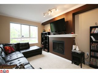 """Photo 2: 4 6747 203RD Street in Langley: Willoughby Heights Townhouse for sale in """"SAGEBROOK"""" : MLS®# F1013962"""