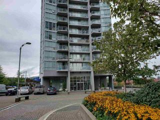 """Photo 2: 401 13618 100 Avenue in Surrey: Whalley Condo for sale in """"INFINITY TOWERS"""" (North Surrey)  : MLS®# R2501888"""