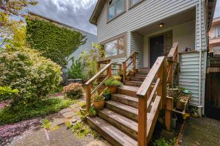 Photo 3: 2321 YEW Street in Vancouver: Kitsilano House for sale (Vancouver West)  : MLS®# R2578064