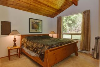 Photo 21: 7633 Squilax Anglemont Road: Anglemont House for sale (North Shuswap)  : MLS®# 10233439