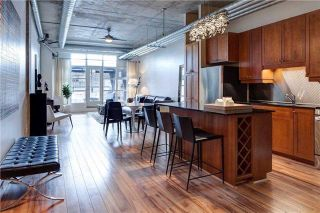 Photo 4: 261 King St E Unit #205 in Toronto: Moss Park Condo for sale (Toronto C08)  : MLS®# C3731808