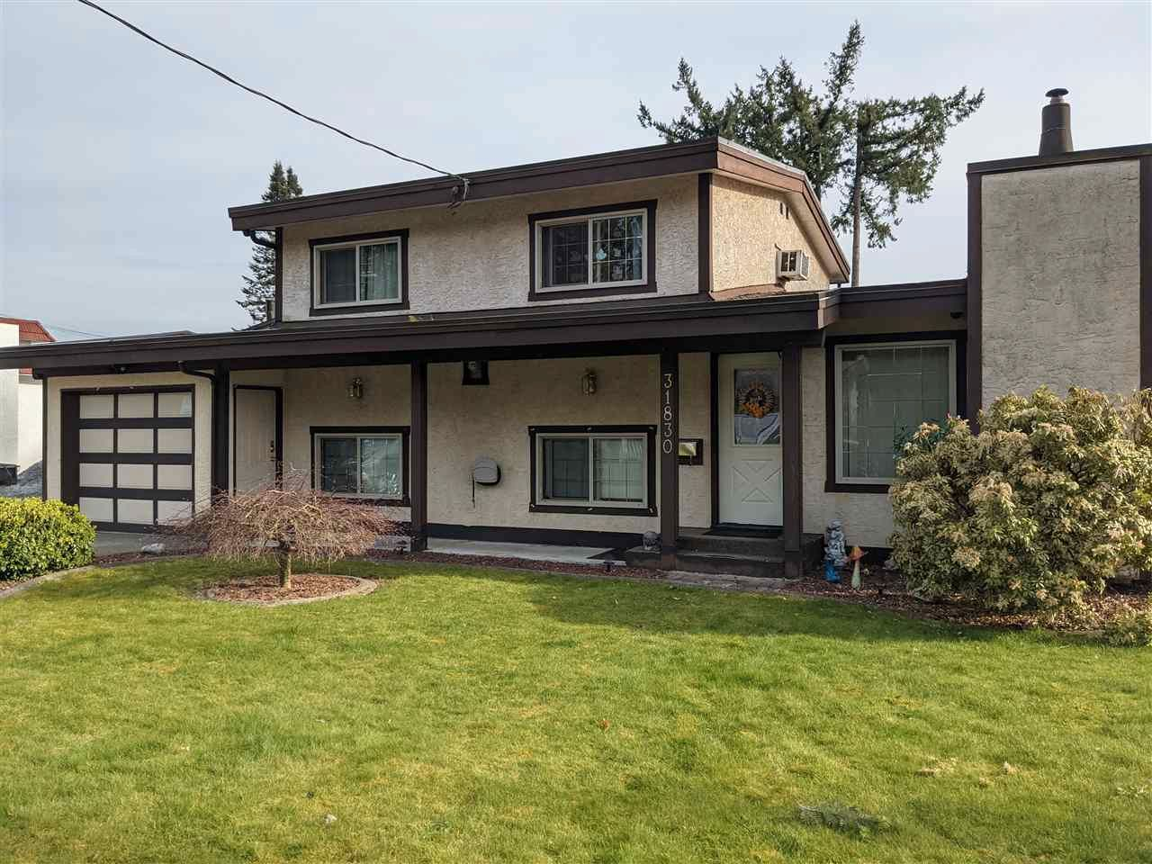 Main Photo: 31830 THRUSH Avenue in Mission: Mission BC House for sale : MLS®# R2564092