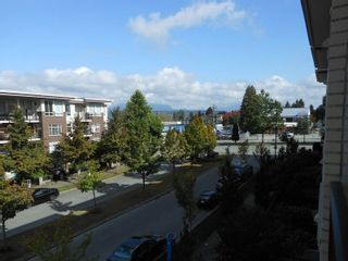 """Photo 5: 214 13468 KING GEORGE Boulevard in Surrey: Whalley Condo for sale in """"Brookland"""" (North Surrey)  : MLS®# R2111340"""