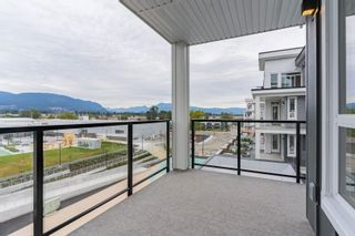 """Photo 16: 4501 2180 KELLY Avenue in Port Coquitlam: Central Pt Coquitlam Condo for sale in """"Montrose Square"""" : MLS®# R2615326"""