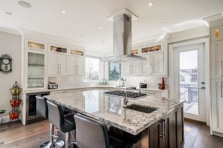 """Photo 9: 1551 ARCHIBALD Road: White Rock House for sale in """"West White Rock"""" (South Surrey White Rock)  : MLS®# R2605550"""