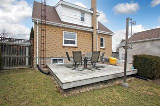 Photo 5: Lower 115 W Beatrice Street in Oshawa: Centennial House (1 1/2 Storey) for lease : MLS®# E5145400